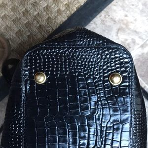 Brahmin Bags - Brahmin Classic Croc Tote In Black Patent GUC